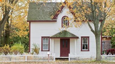 Haus bauen oder Altbau kaufen? – Diese Wege führen zu Ihrem Traumhaus